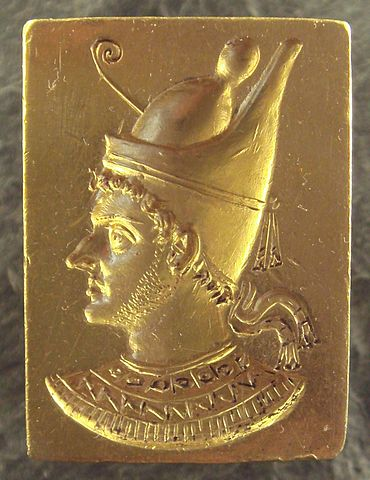 370px-ring_with_engraved_portrait_of_ptolemy_vi_philometor_283rde280932nd_century_bce29_-_2009