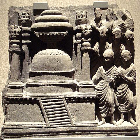 481px-stupawithpillarsgandhara2ndcentury